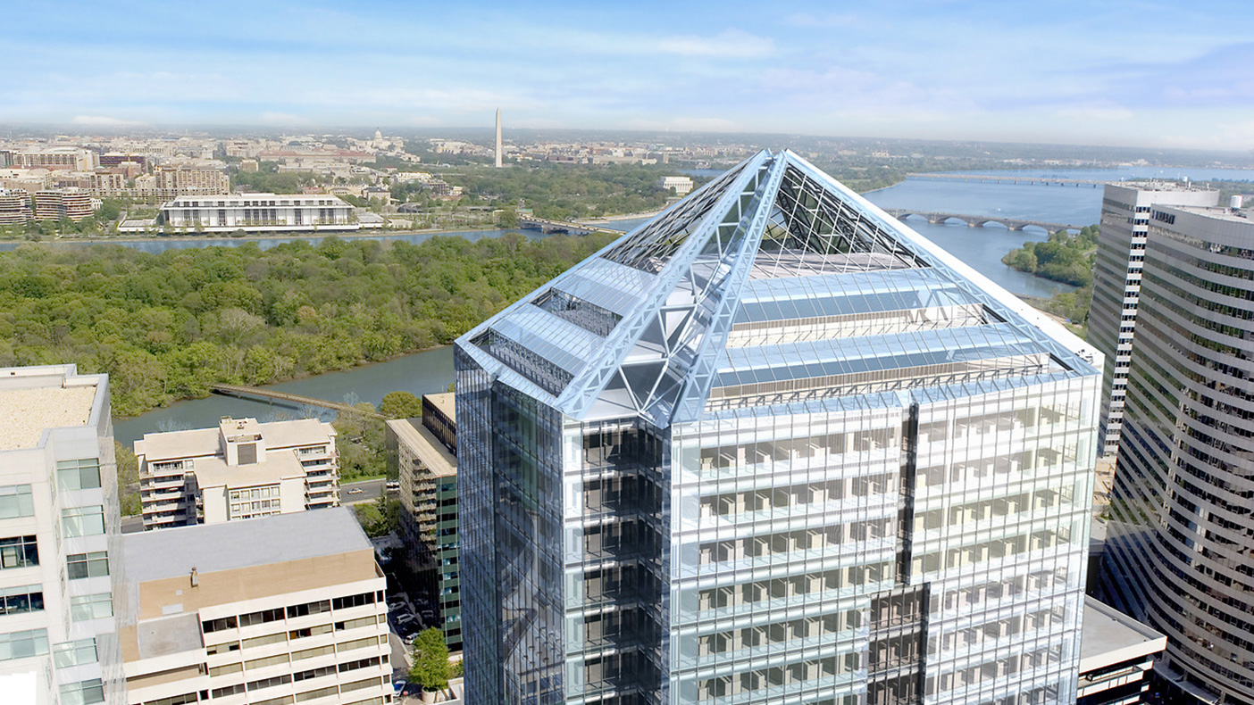 At 35 stories, 1812 North Moore Street rises along the Potomac River skyline overlooking the nation's capital.
