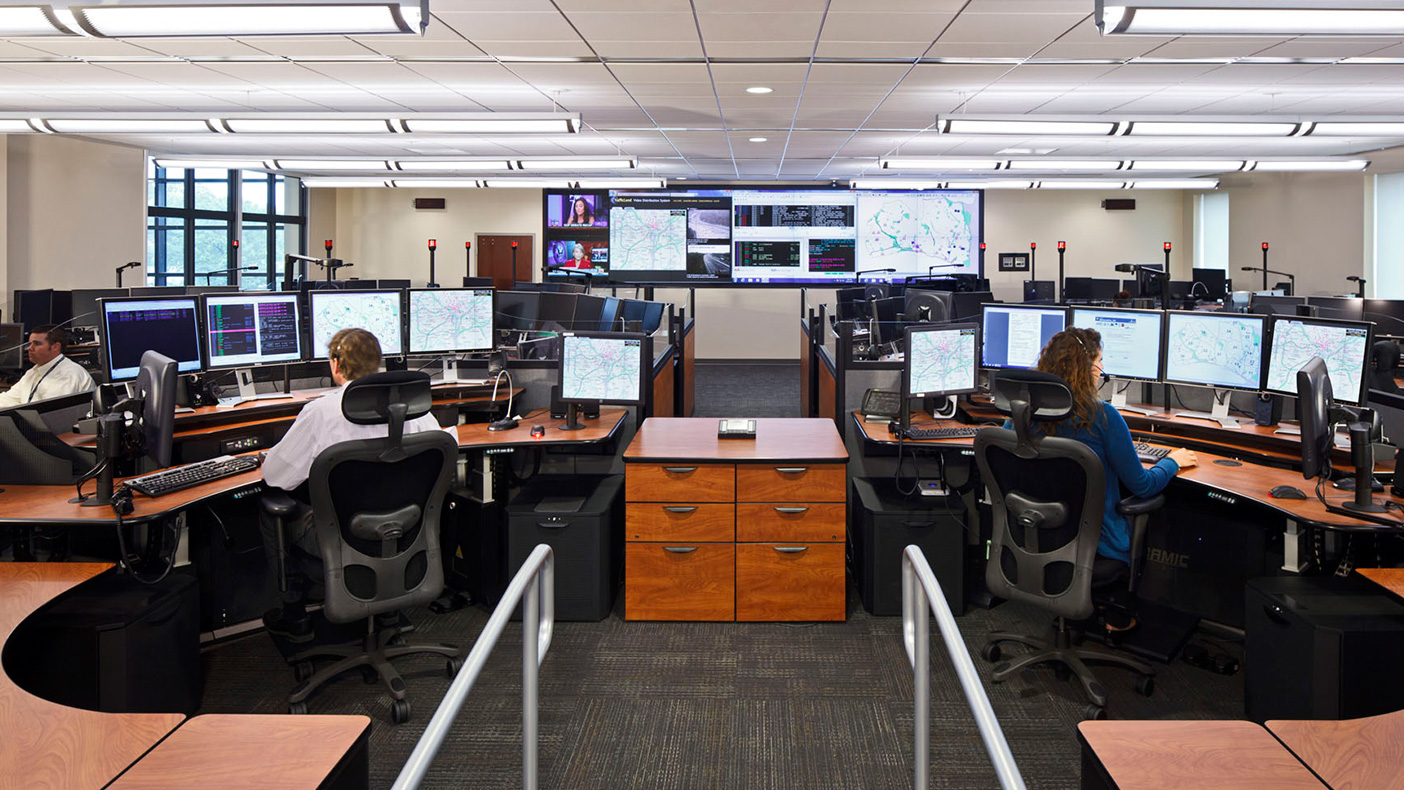 The headquarters accommodates an advanced criminal investigations lab, secure property and evidence storage, community meeting space, and a shared police/fire emergency communications center.