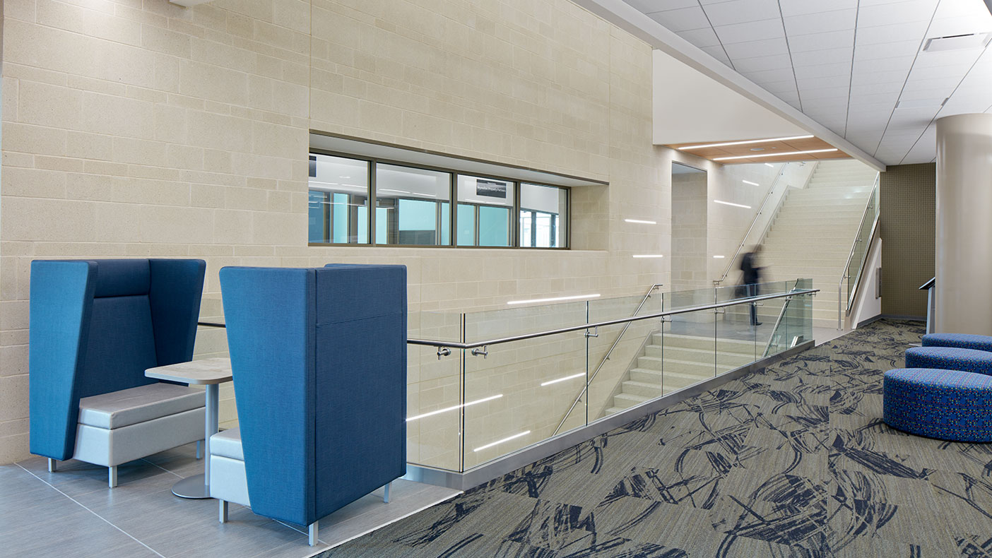 The monumental staircase promotes connectivity and transparency for all users.
