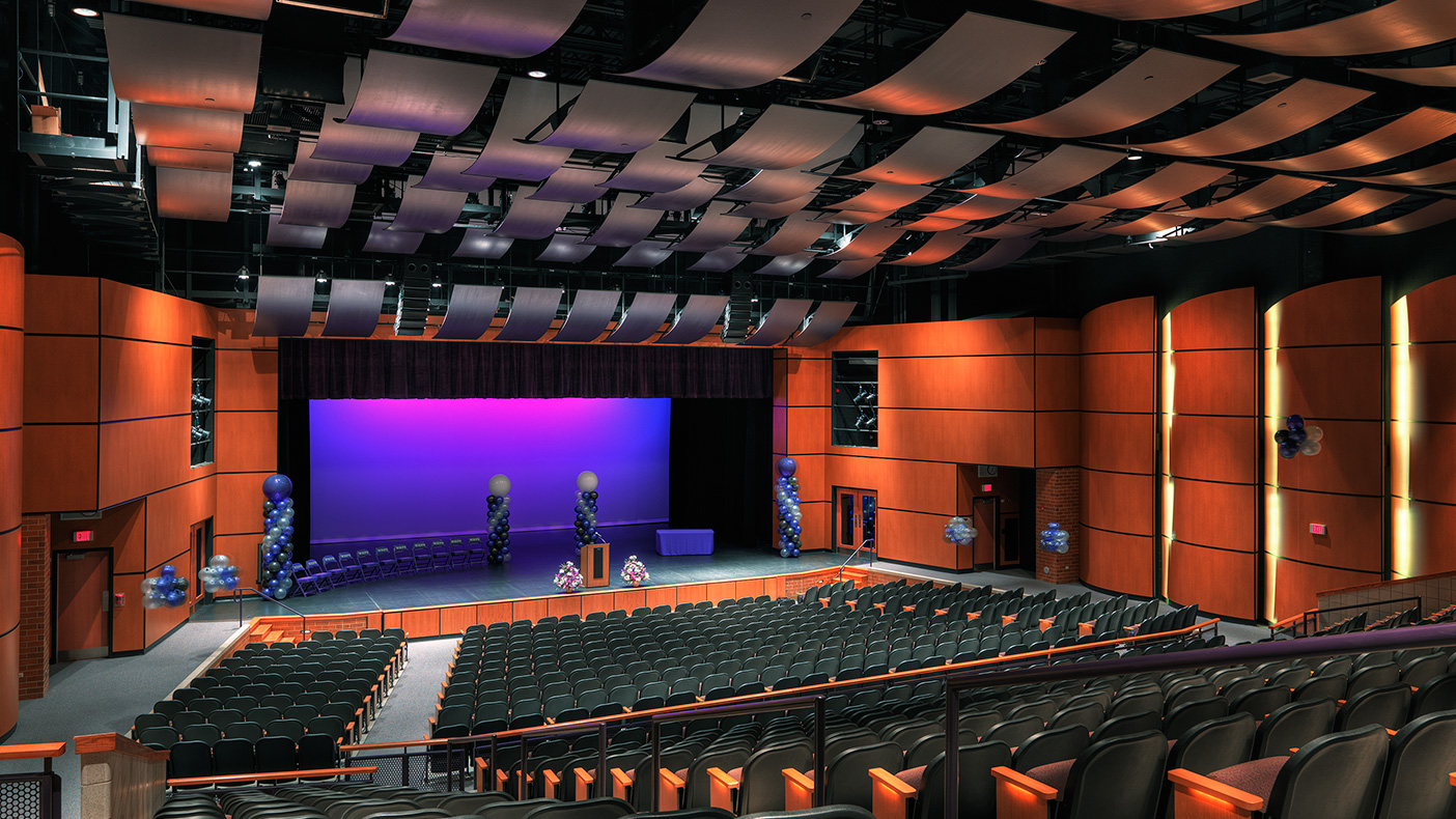 This 392,000-SF Illinois high school has a 750-student auditorium and a 100-seat lecture center.