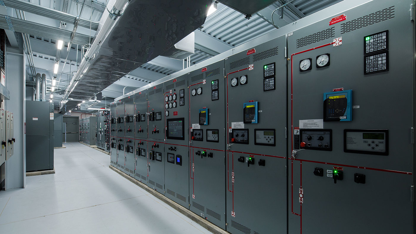 The emergency generator control and distribution system allows the main hospital, emergency department, and cardiac pavilion to stay fully operational when normal power is interrupted.