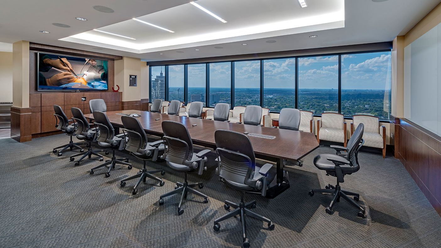 Located on the 25th floor, this 40,000-square-foot facility includes administrative and support areas.