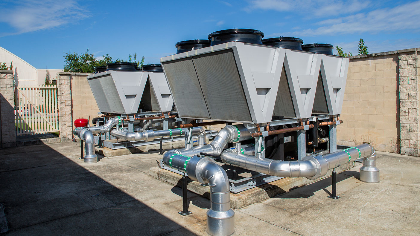 Both HVAC solutions included state-of-the-art high efficiency magnetic bearing air-cooled chillers and new control point integration to existing energy management systems.