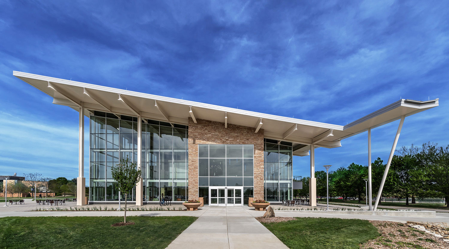 The new student union features a 25,000-square-foot green roof. Photo courtesy of Dewberry. Mark Ballogg, photographer.