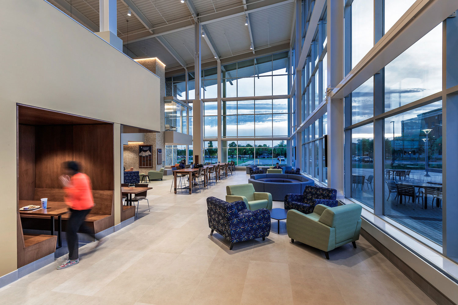 The lounge areas feature a variety of scales and textures, which makes it a comfortable place for students. Photo courtesy of Dewberry. Mark Ballogg, photographer.
