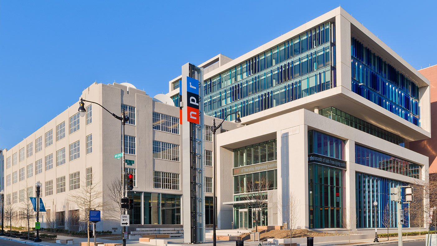 The new 336,000-SF LEED® Gold NPR Headquarters solved the capacity issue for all 800 of its employees and welcomes 9,000 visitors annually to its two-story newsroom.