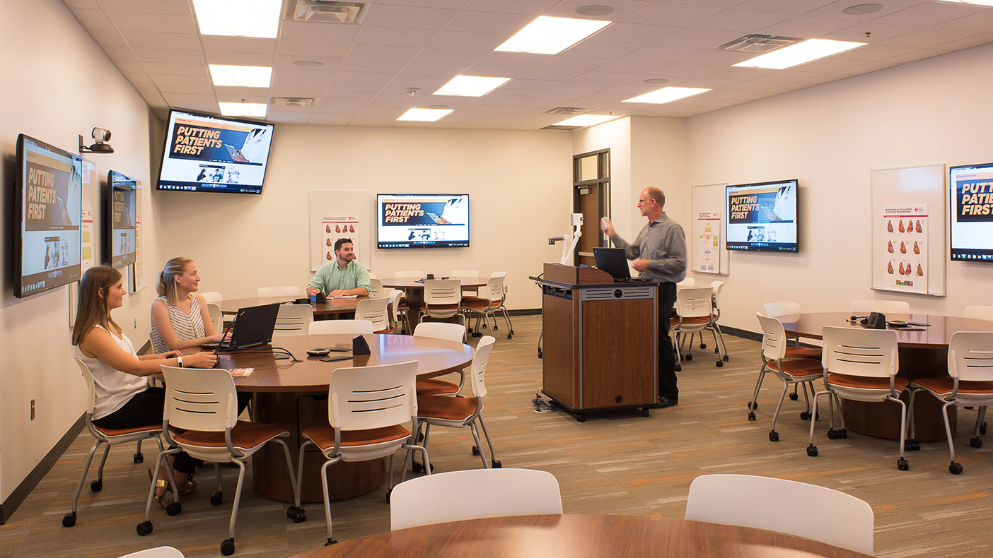 The team identified active learning as integral in the teaching of the curriculum and developed several types of spaces to increase opportunities throughout the building.