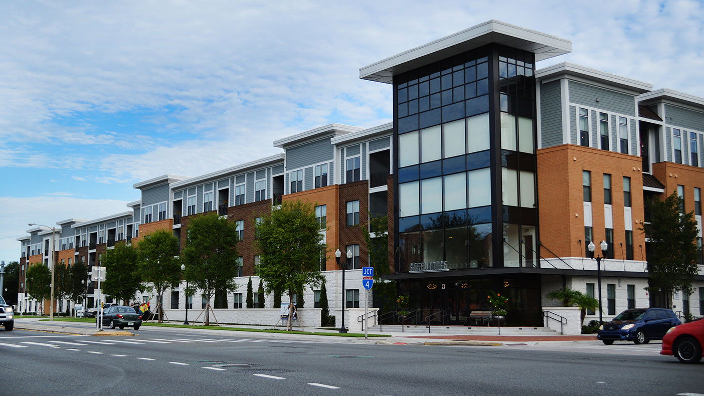 The 327 unit, 4-story SteelHouse apartment project is located in the heart of Orlando's downtown workplace.