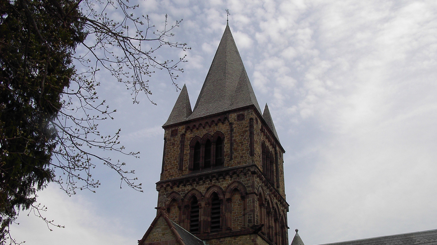We designed a system that could be constructed in phases and fit within the church's access restraints while at the same time maintaining the belfry's overall appearance and integrity.