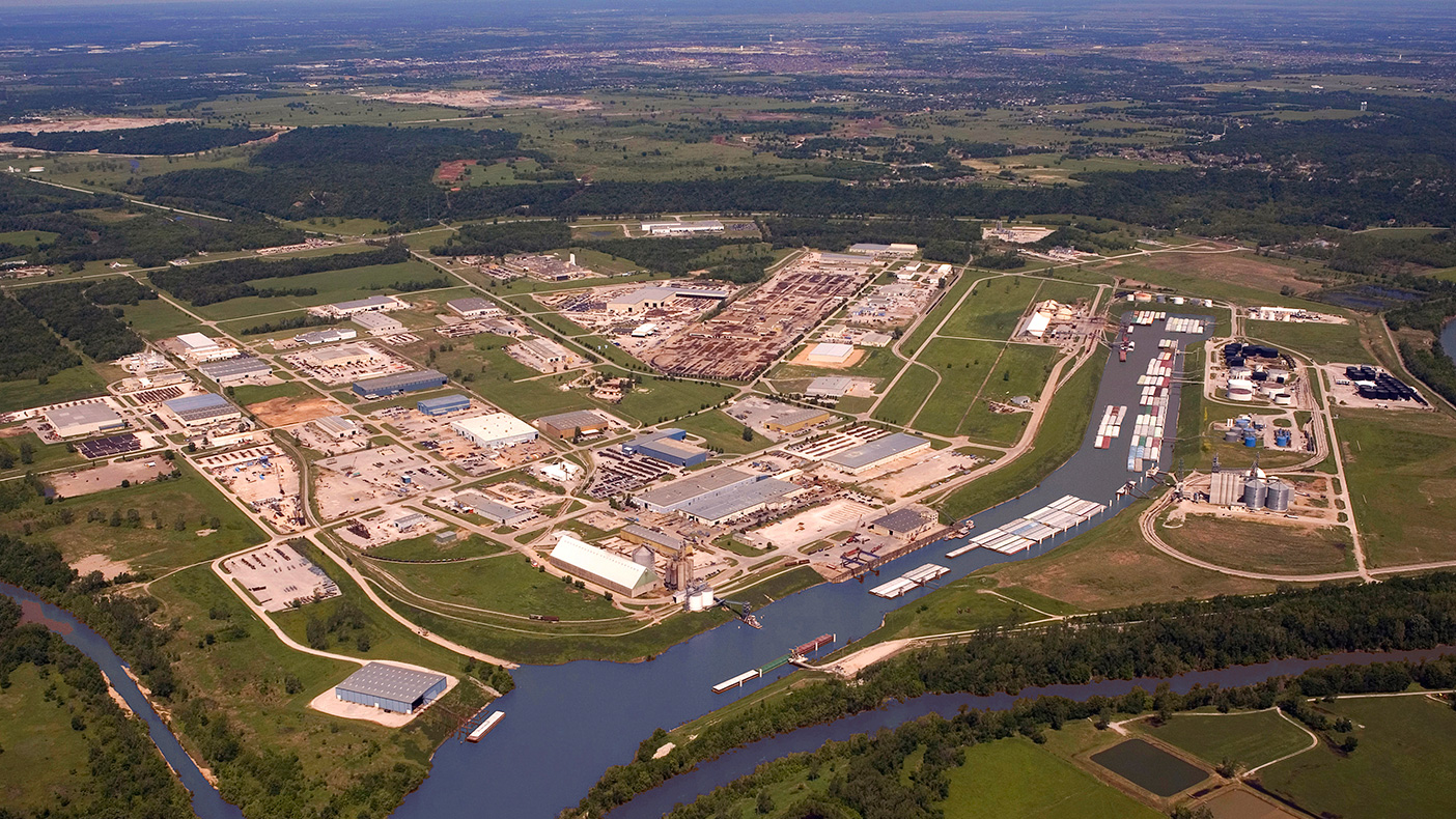 We helped plan and design road, barge, rail, water distribution, wastewater collection, and stormwater management systems for the Tulsa Port of Catoosa.