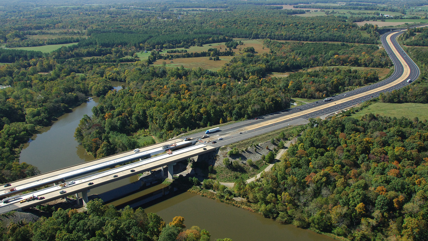 The design-build capital improvement program helped support Toll Road Investors Partnership II, LP's goal of enabling drivers to maintain a high travel speed during rush hour.